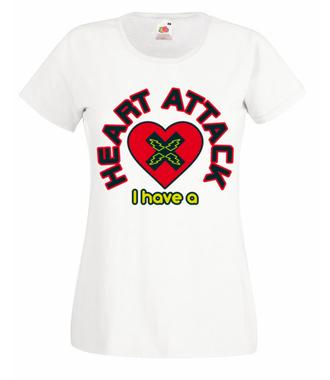 Atak zranionych serc - Koszulka z nadrukiem - na Walentynki - Damska