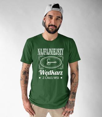 Najfajniejszy na wsi  - Koszulka z nadrukiem - Wędkarskie - Męska