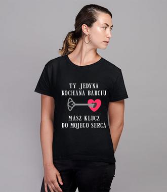 Babcia najlepiej wie, jak trafić do twojego serca - Koszulka z nadrukiem - Dla Babci - Damska